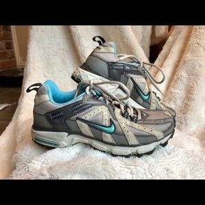 Nike Trail Runner Taupe Cream Turquoise SZ 7